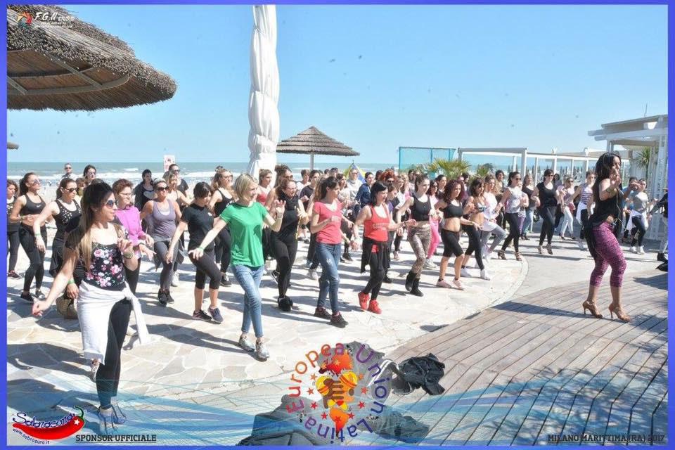 Bagno Conchiglia Casalborsetti Foto Zumba : Fitness and wellness u bagno holiday village